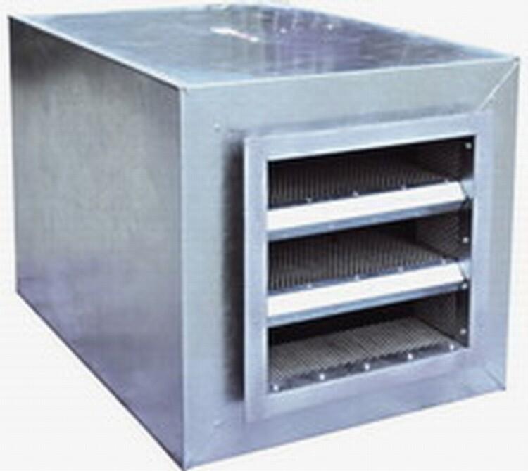 消声器应设于风管系统中气流平稳的管段上,且应尽量靠近有噪声控制